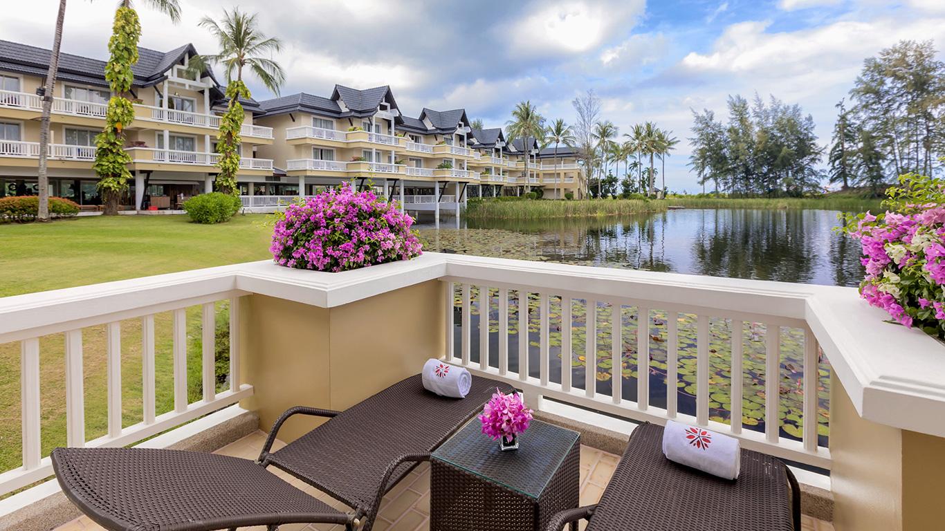 Angsana_laguna_phuket_balcony