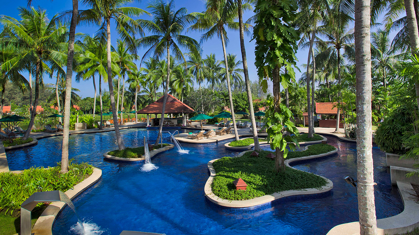 Banyan_tree_phuket_main_pool