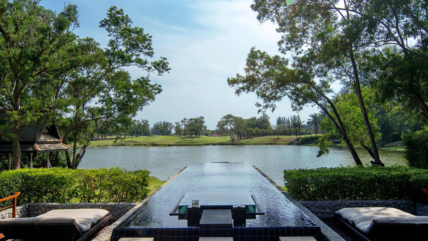 Banyan_tree_phuket_pool_villa_view