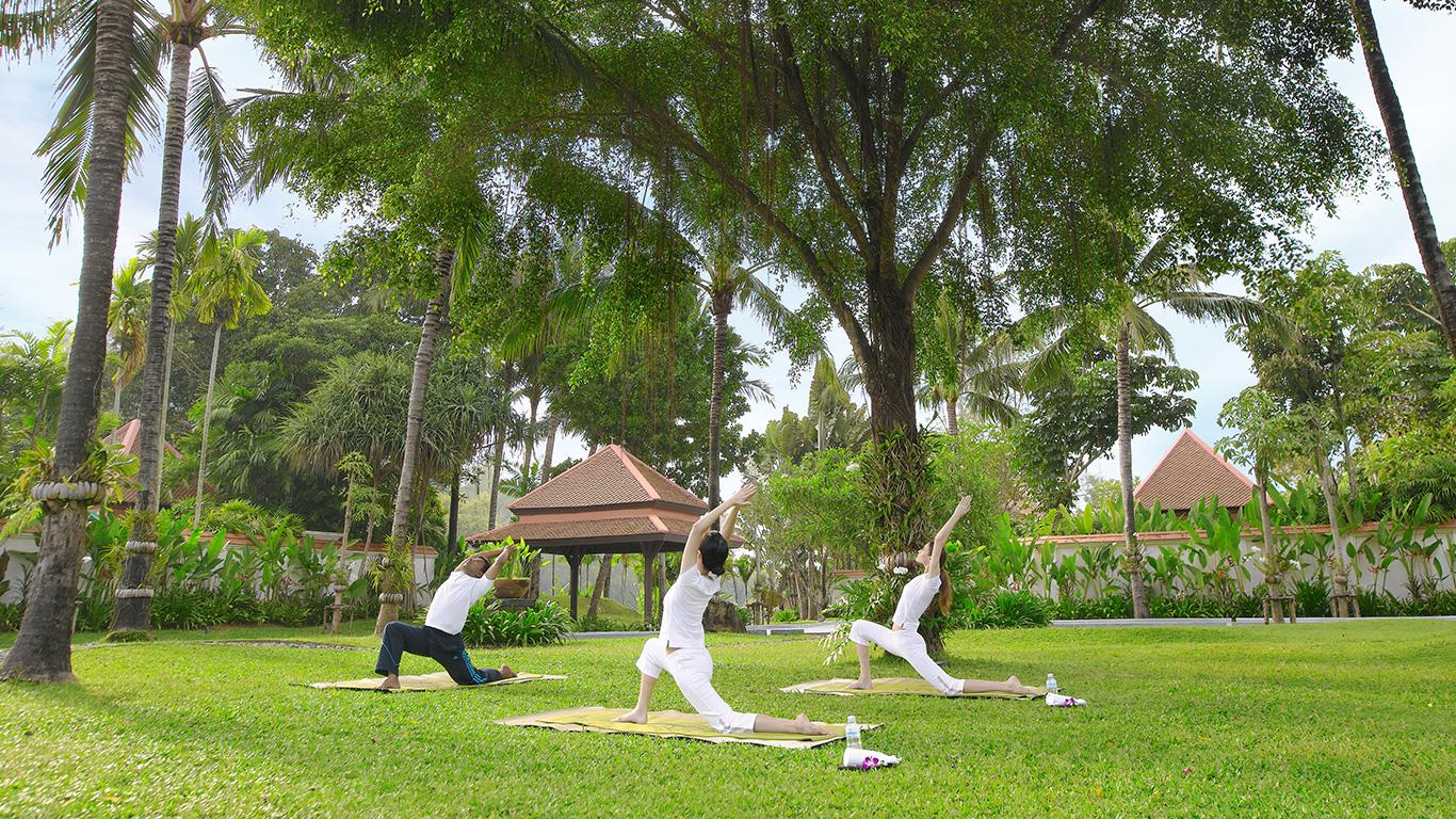 Banyan_tree_phuket_yoga