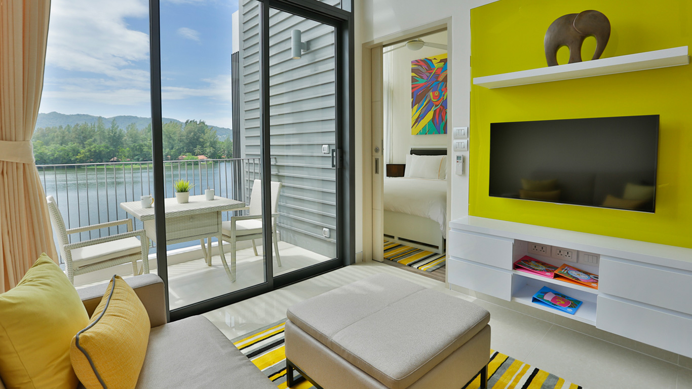 Cassia_Phuket_one_suite_water_view