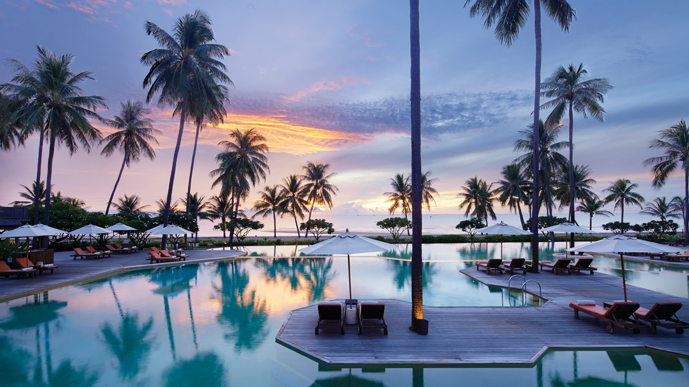 Evason_hua_hin_pool_sunset