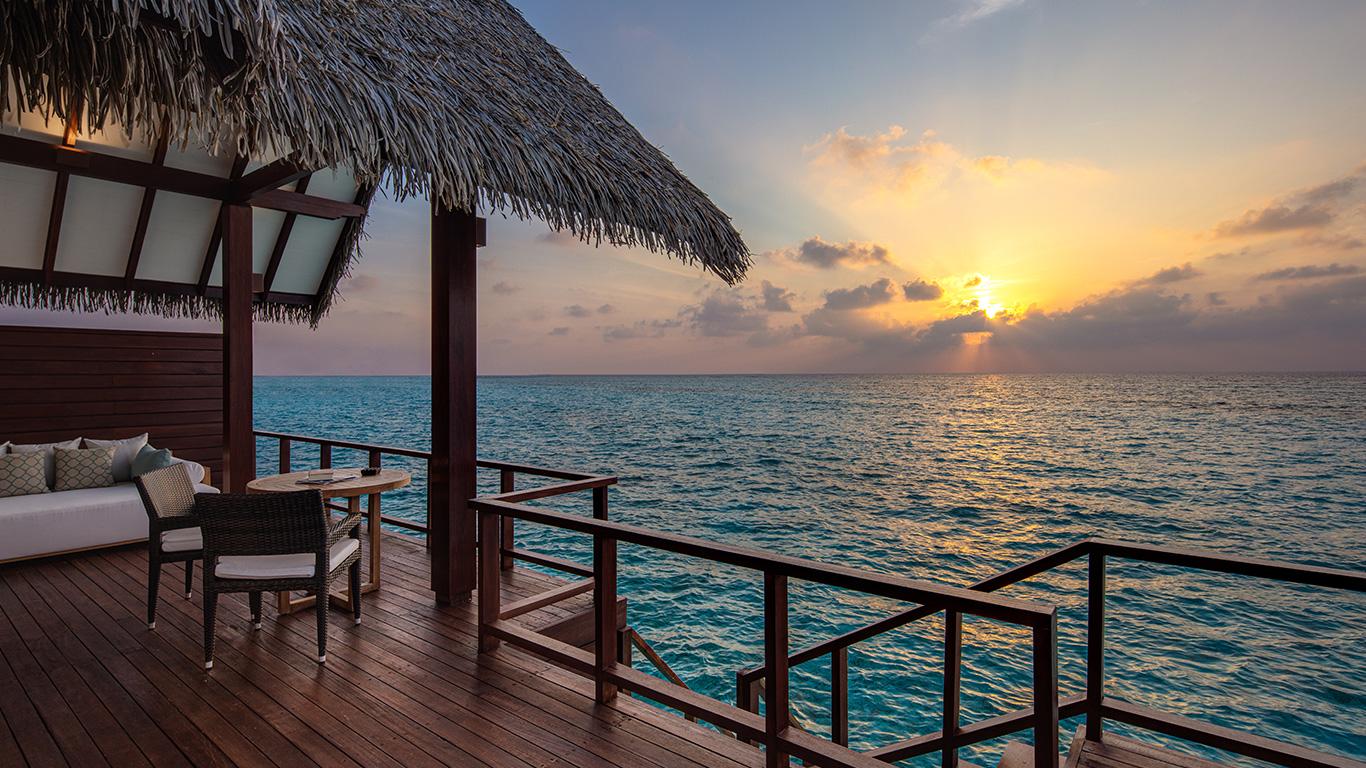 Heritance_Aarah_ocean_villa_sunset