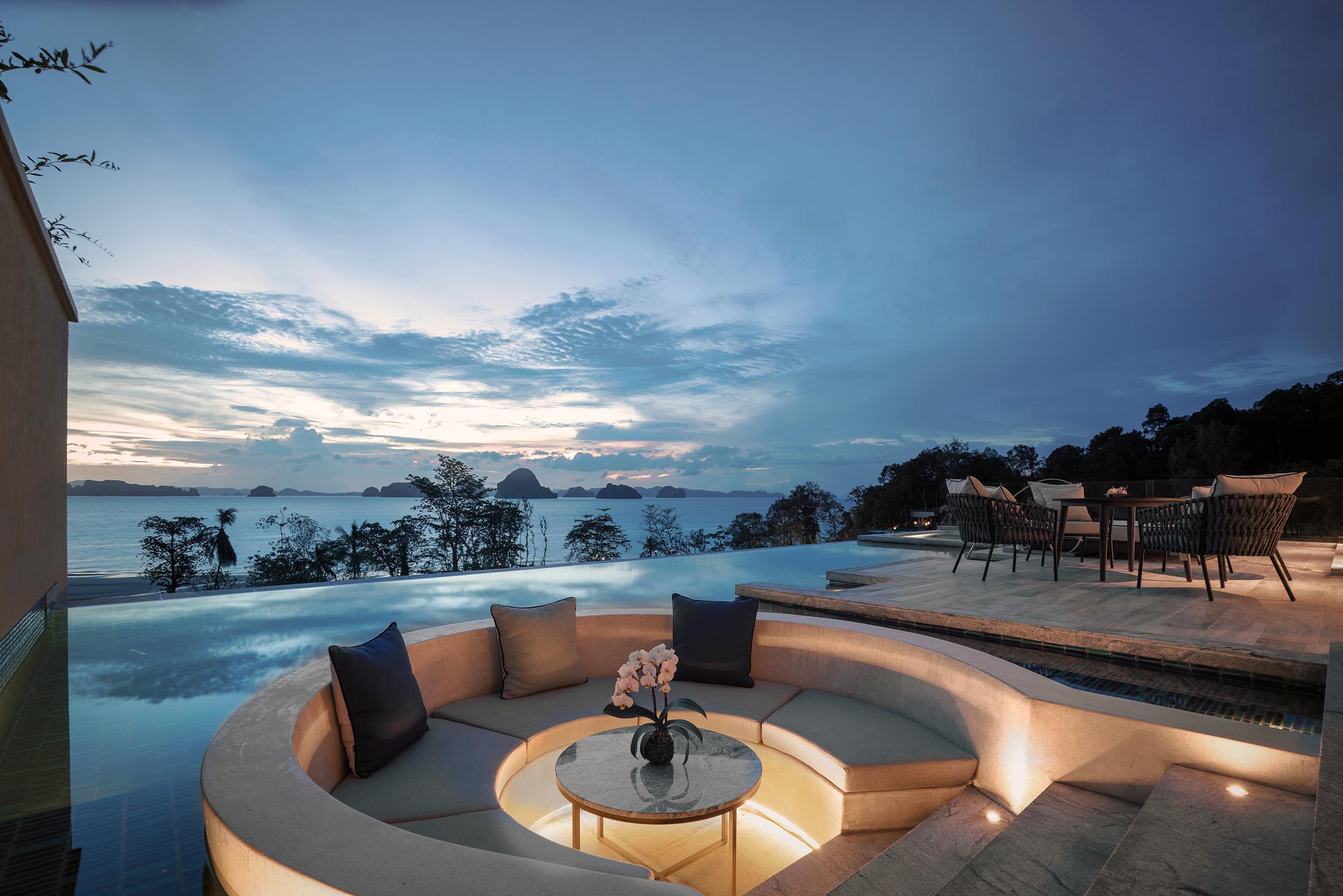 Two Bedroom Ocean Pool Suite 3