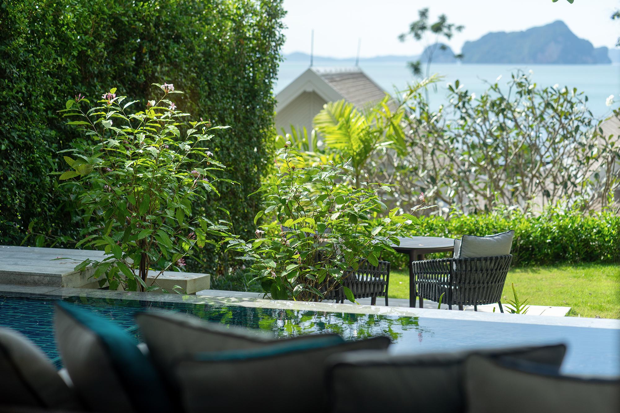 1. Deluxe Garden Pool Suite