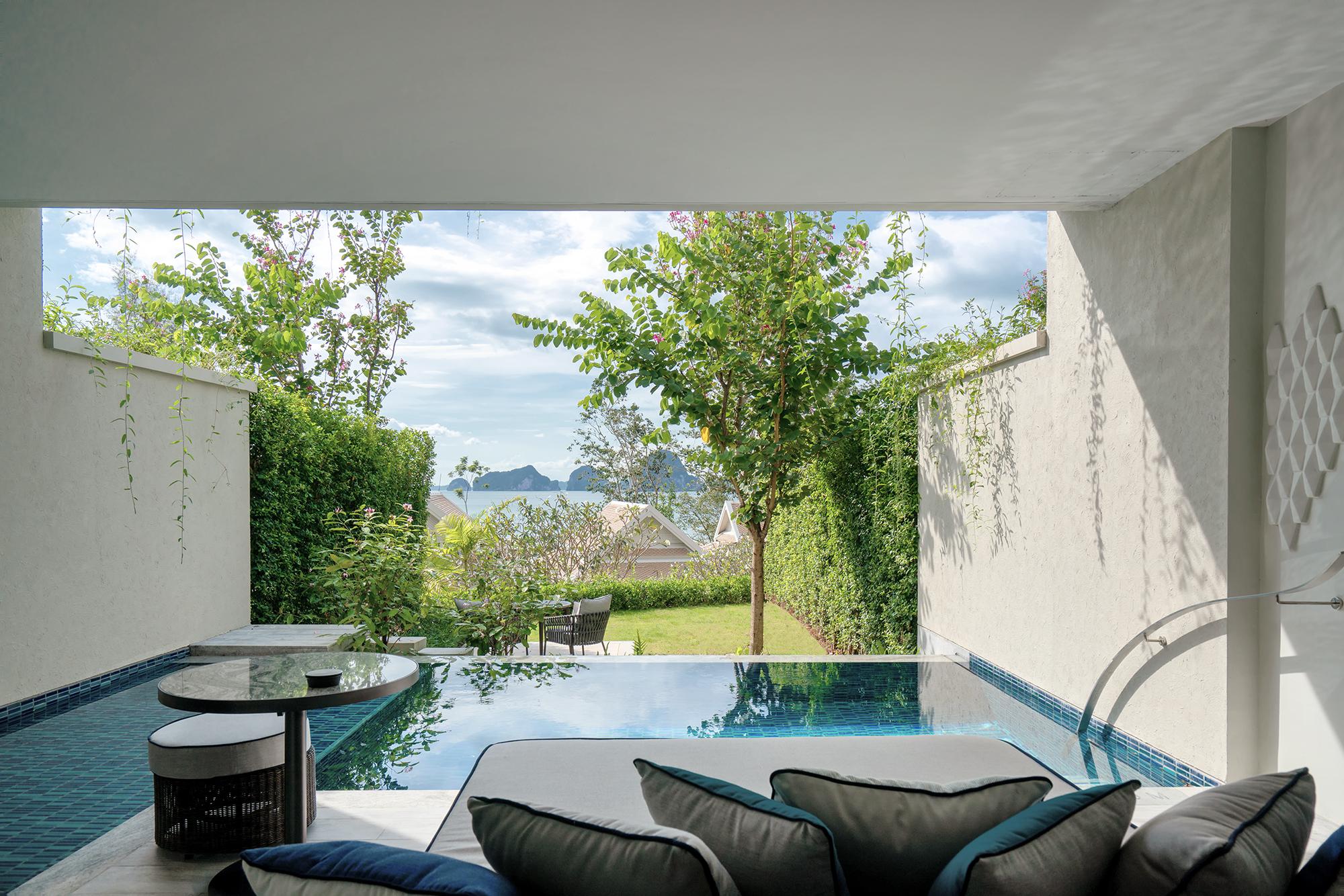 2. Deluxe Garden Pool Suite