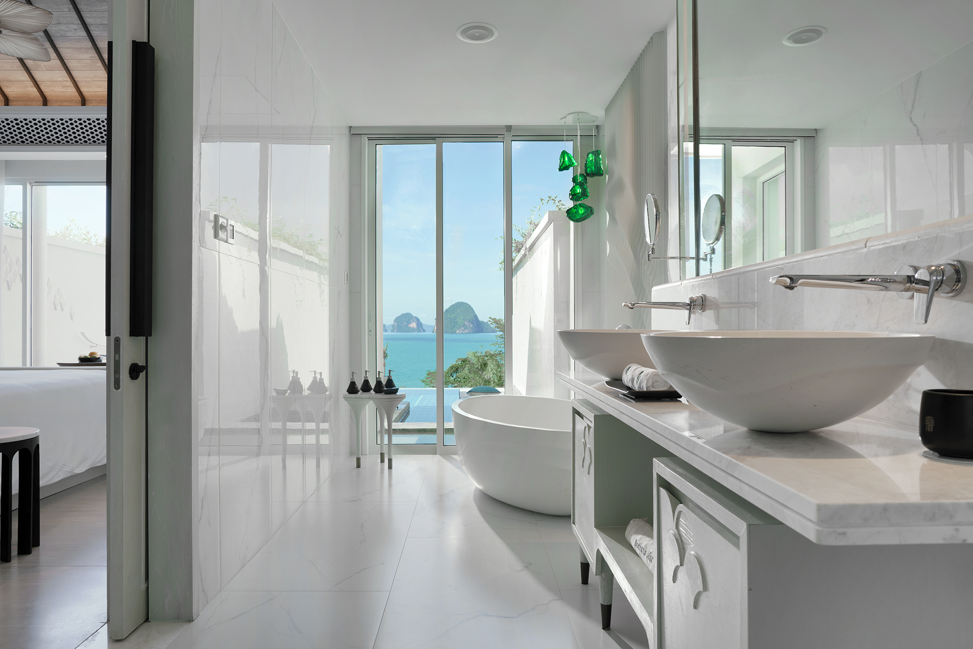 Premium Ocean Pool Suite 2