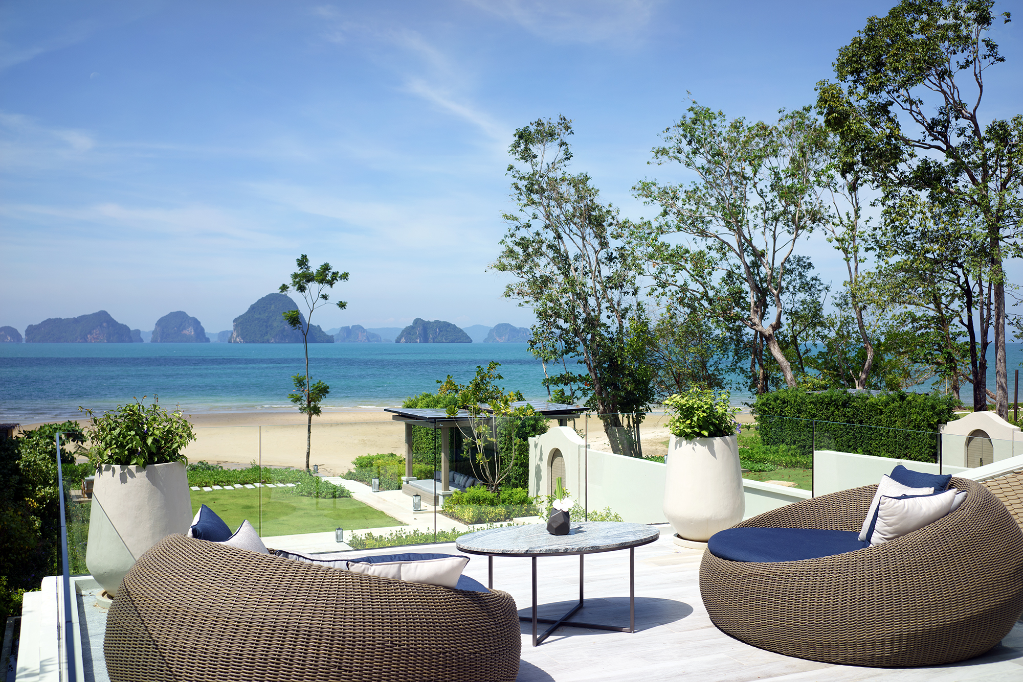 Presidential Beachfront Pool Villa 3