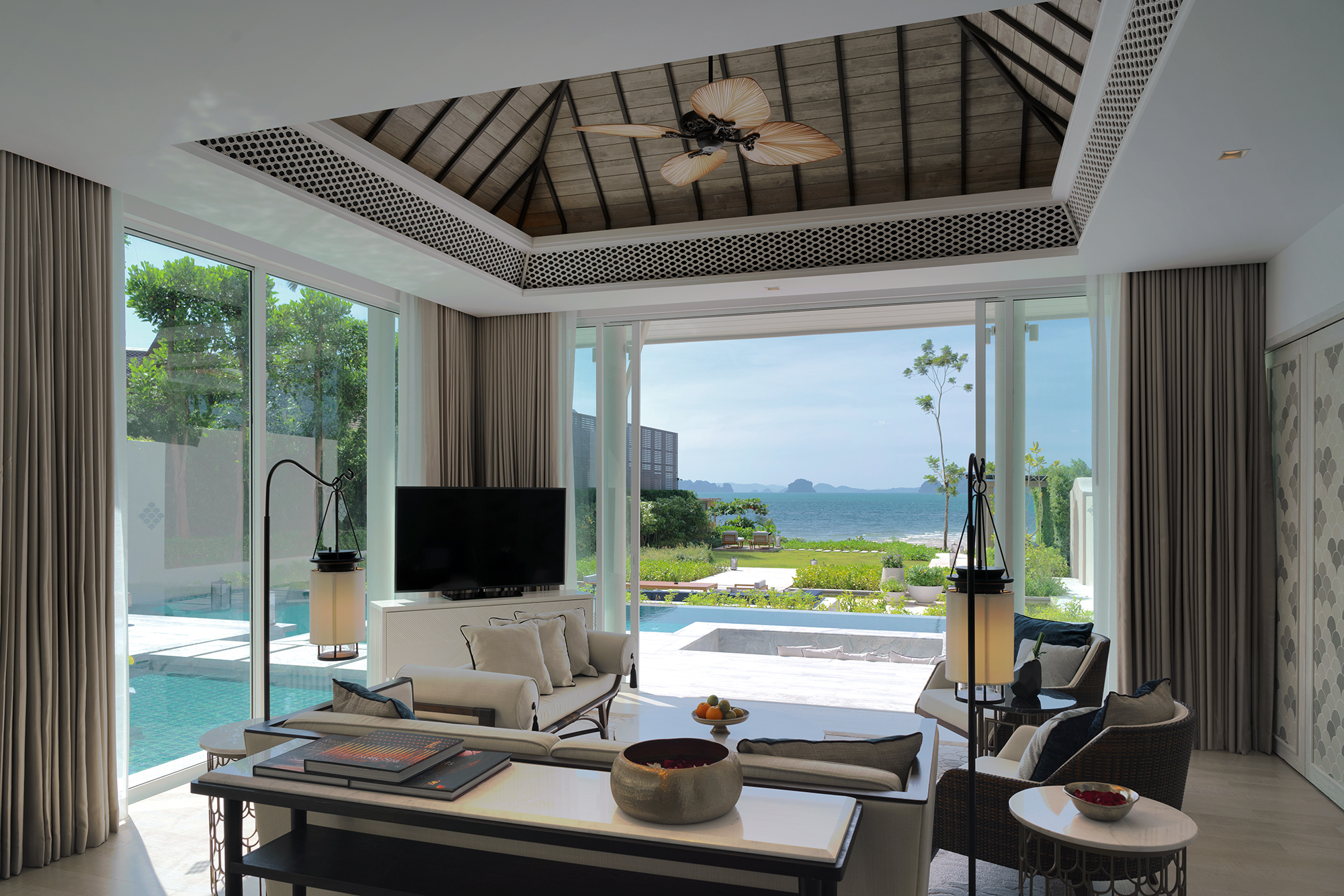 Presidential Beachfront Pool Villa_Living Area 4